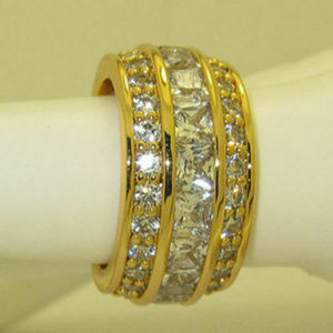 NWT infinity ring yellow gold plate eternity cz